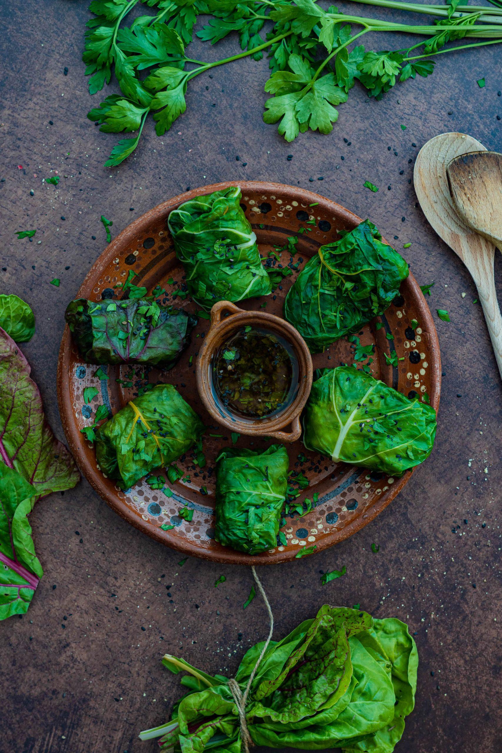 Zdravé recepty, Plnené vegánske mangoldové závitky s ryžou a zeleninou
