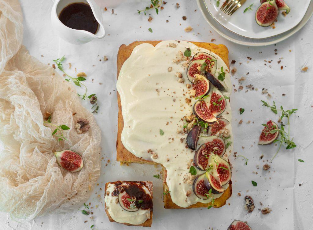 Tekvicový koláč, Tekvicový koláč so smotanovou polevou, vlašskými orechmi a slaným karamelom